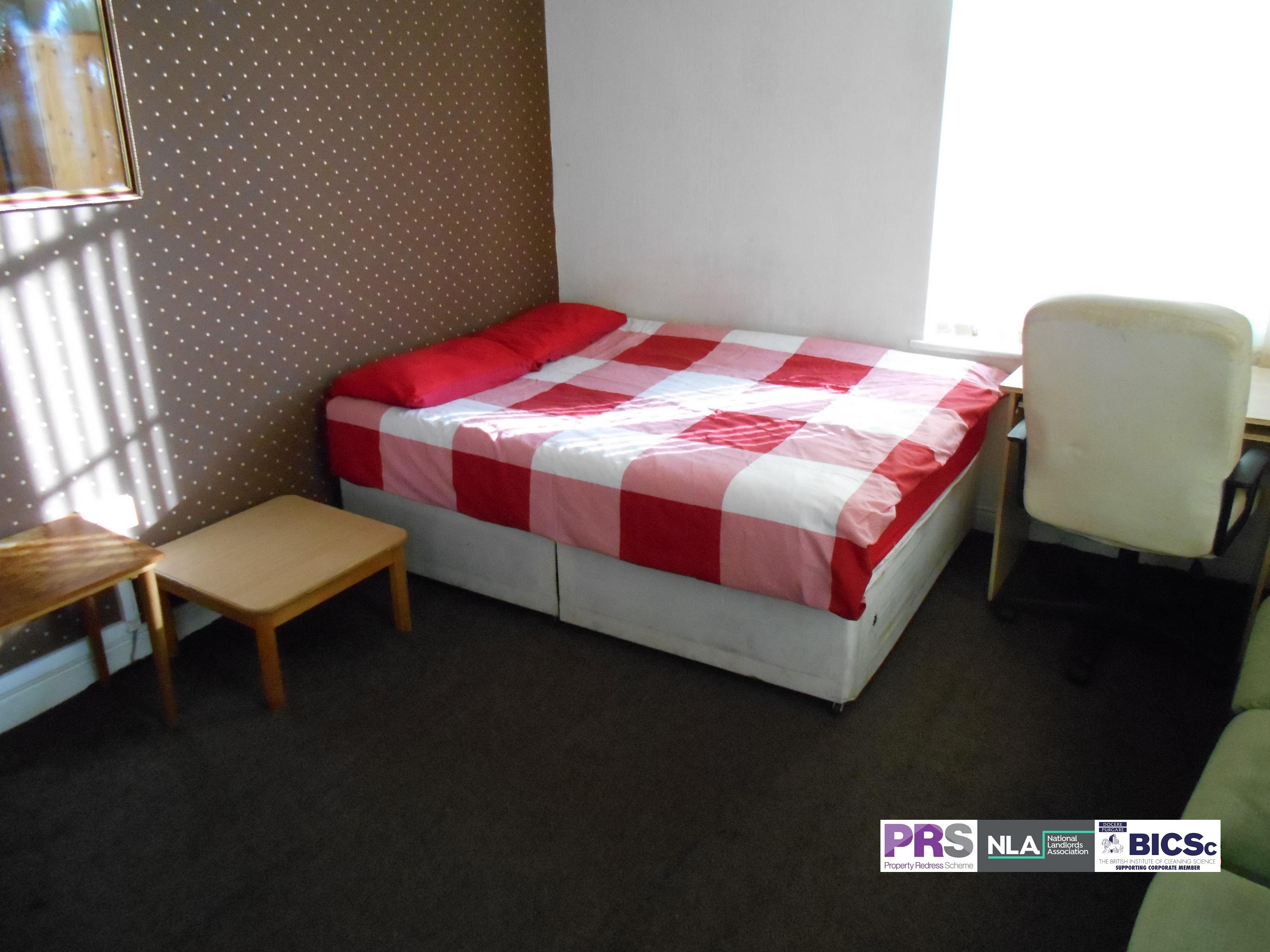 Room 1 – 6-8 Hallfield – BD1